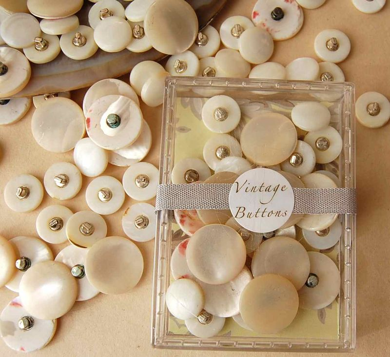 Buttons13