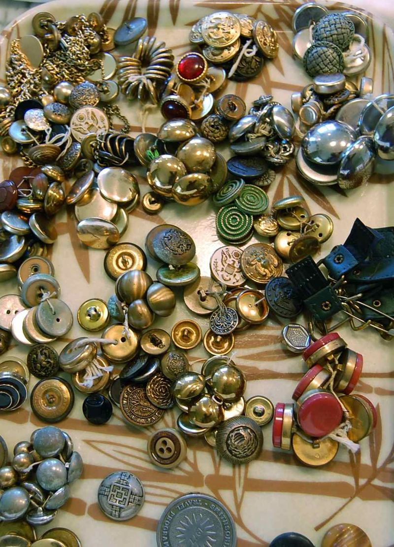 Buttons 5