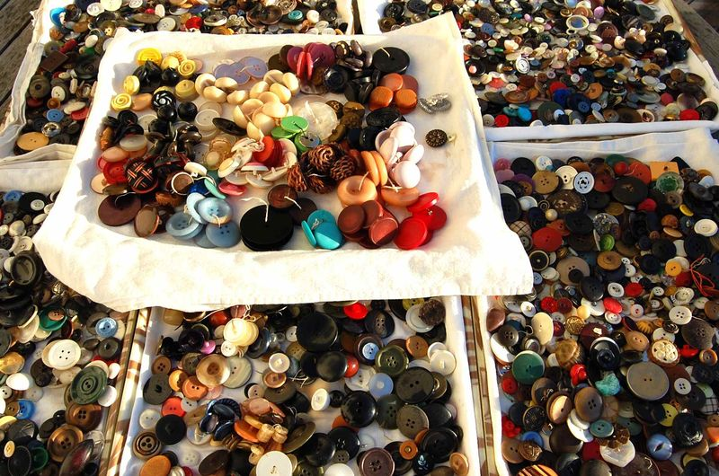 Buttons 17