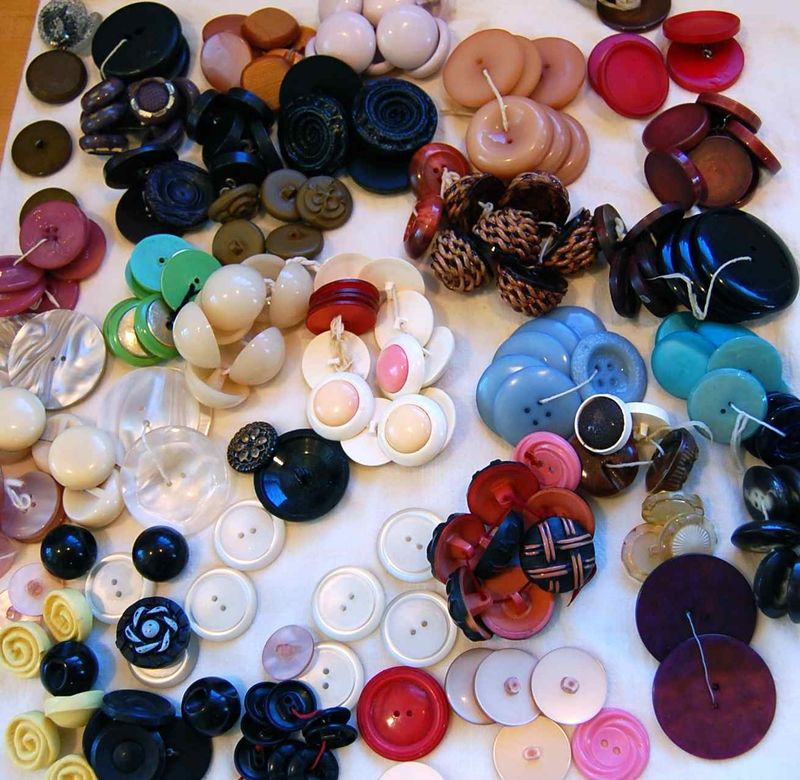 Buttons 11