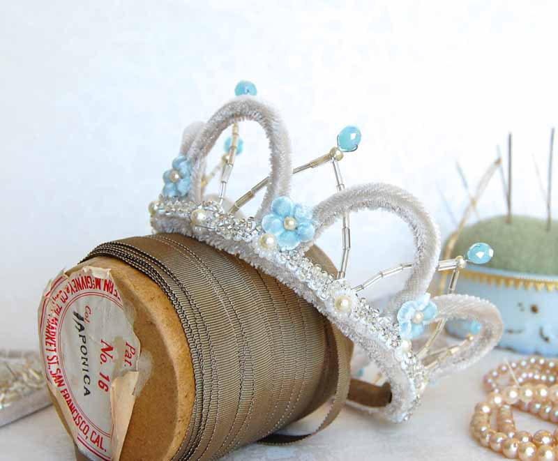 Mini-Tiara Ribbon800