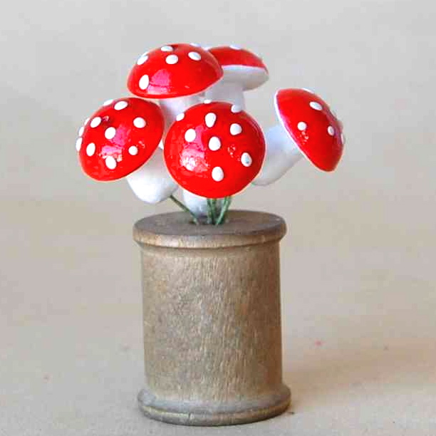 Mushrooms, red
