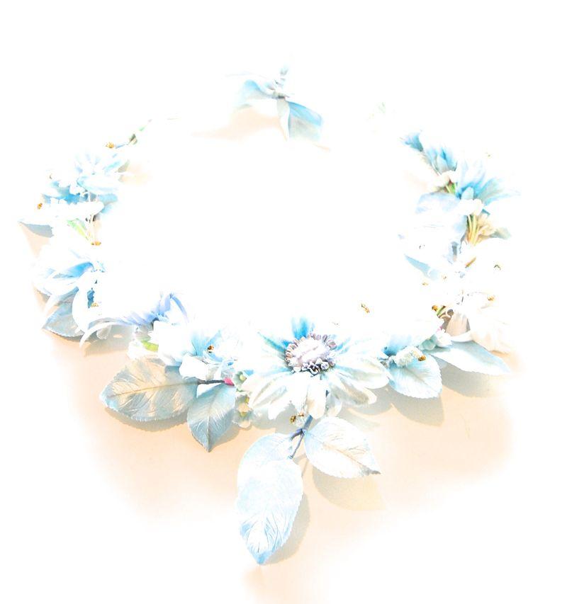 Blue Daisy Wreath Bright