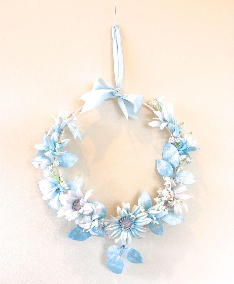 Blue Daisy Wreath