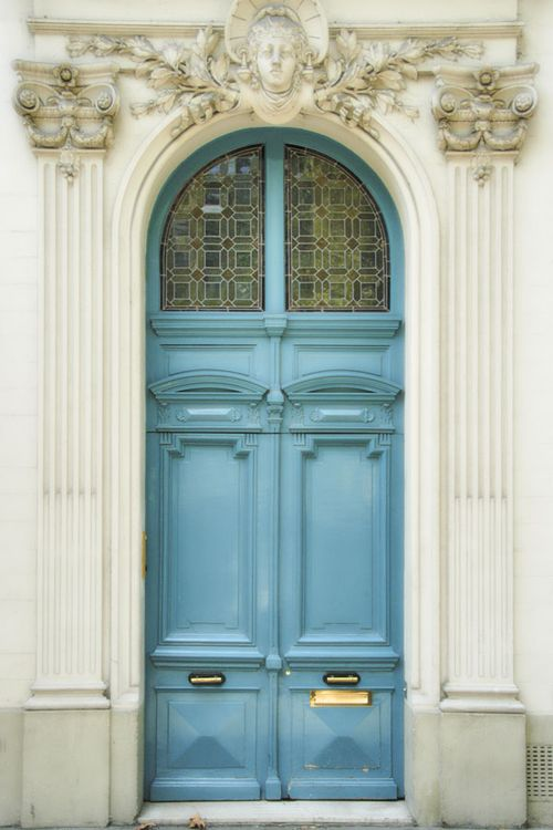 0917-Blue-Door-in-Marais