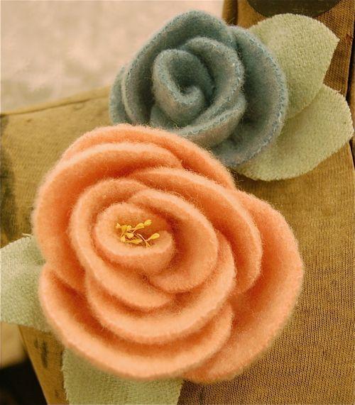 Wool Rose flower pins